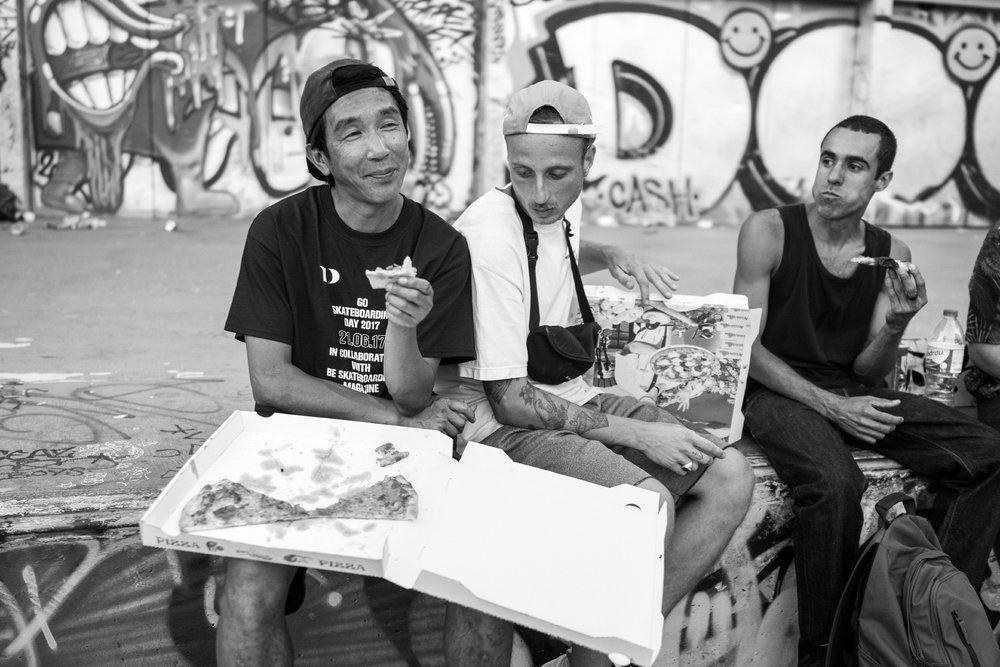 Luypa-Sin & Sico → Having Pizza