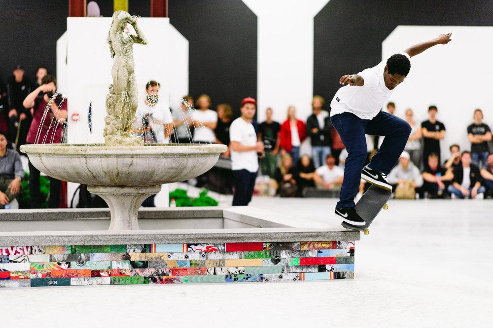 _IHC1828e-Nike-SB-Noord-Demo-Amsterdam-July-2017-Photographer-Maksim-Kalanep.jpg