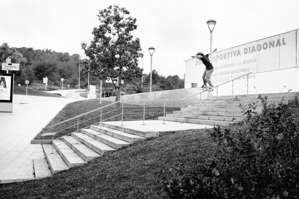 Chase Webb lipslide_BE Skate Mag_Skate Pic.jpg