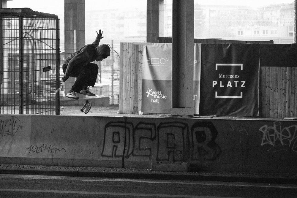 skatedeluxe x Levis Skateboarding
