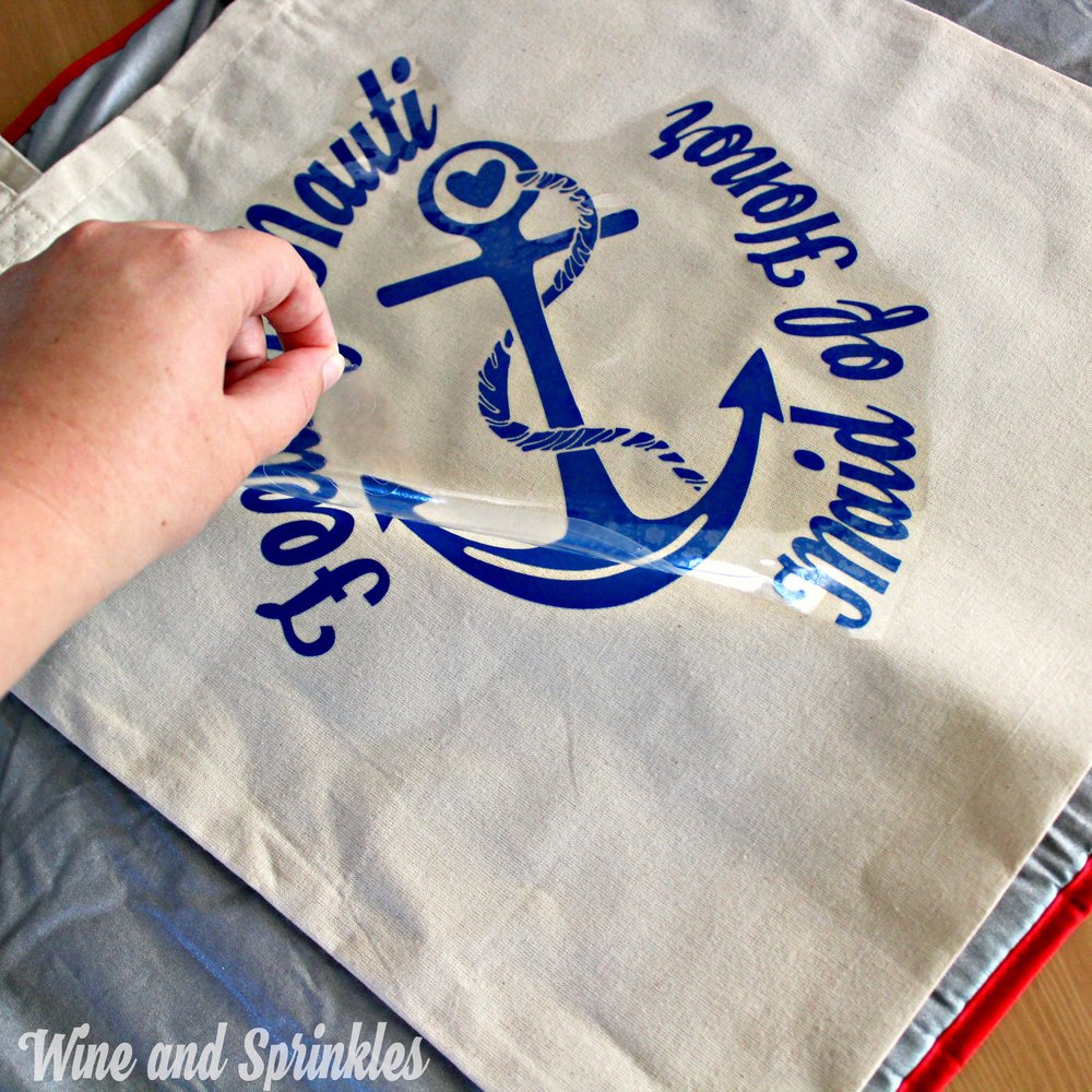 DIY Nautical Bachelorette Iron On Canvas Tote Bags #beachwedding #cricutprojects #bachelorette #cruiseshipwedding