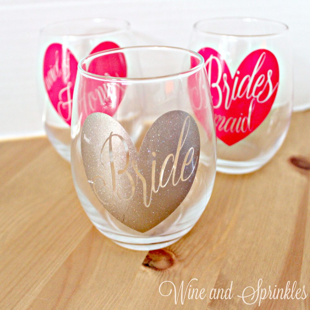 DIY Vinyl Bridal Party Heart Stemless Wine Glasses #bridesmaid #svgfiles #cricutprojects