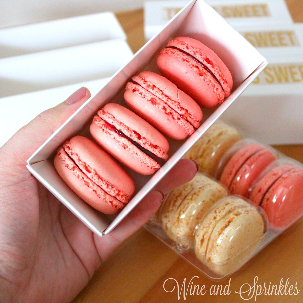 17. Macaroons Box with text.jpg