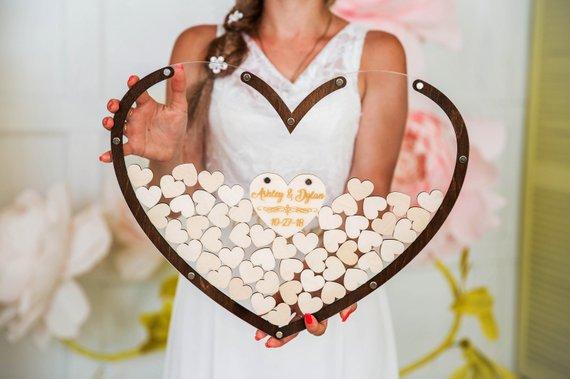 Unique Wedding Guest Books Under $50 #guestbook #budgetwedding