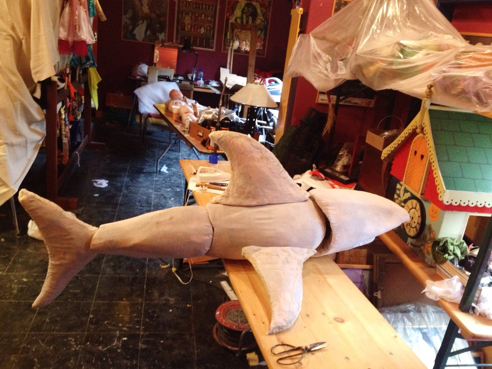 The Shark waiting for his spray paint