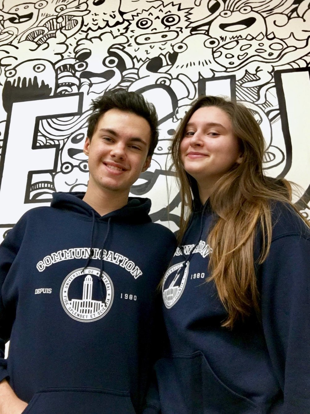 Yllan et Mathilde sont confiants. Ils portent aussi les nouveaux chandails maintenant disponibles à l'asso!