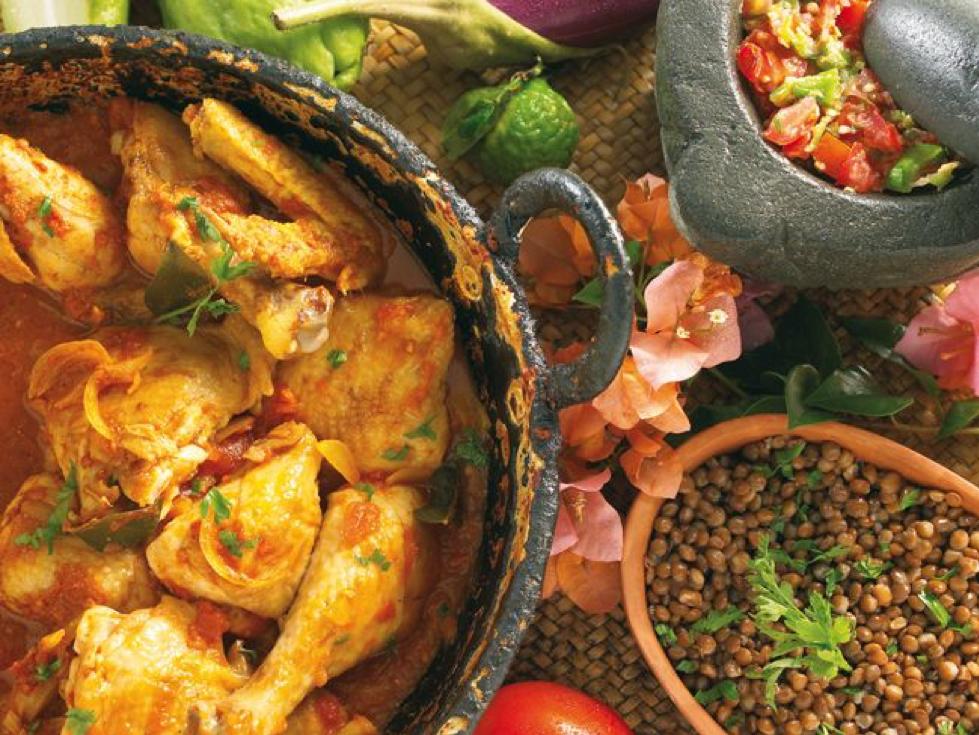 (Cuisine réunionnaise, Carri de poulet,  https://www.pinterest.fr/pin/534661786983260838/?lp=true )