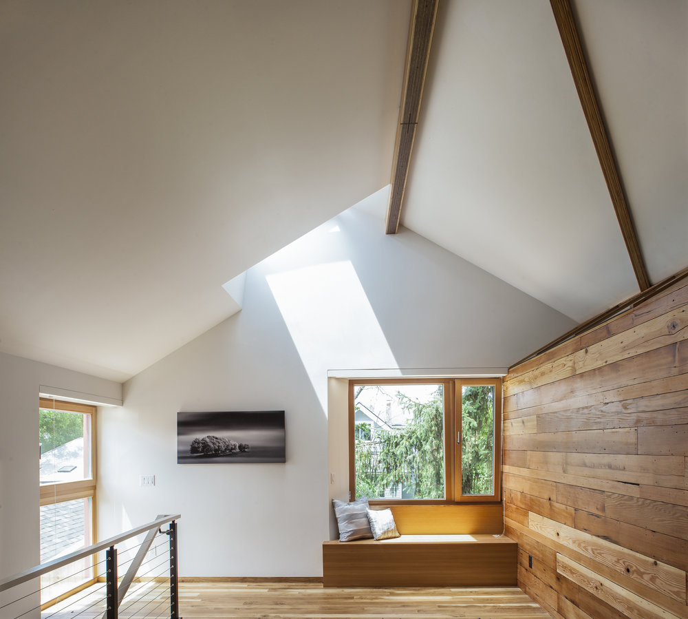 Hinge-Build-Group-Passive-House-family-room-2.jpg