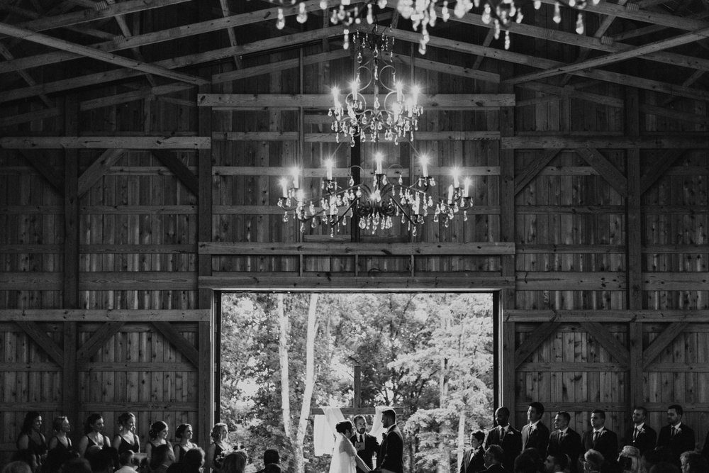 SaddleWoodsFarm_TennesseeWedding--43.jpg