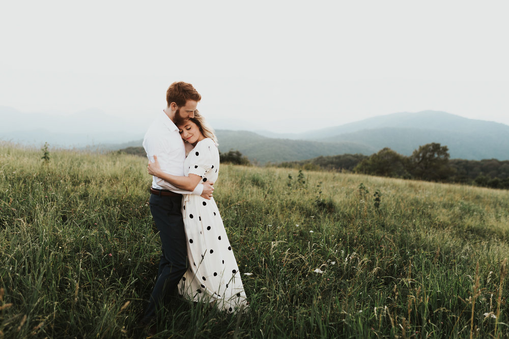 BlueRidgeMountains_NashvilleWeddingPhotographer_MollyPeach_MaxPatch-6404.jpg