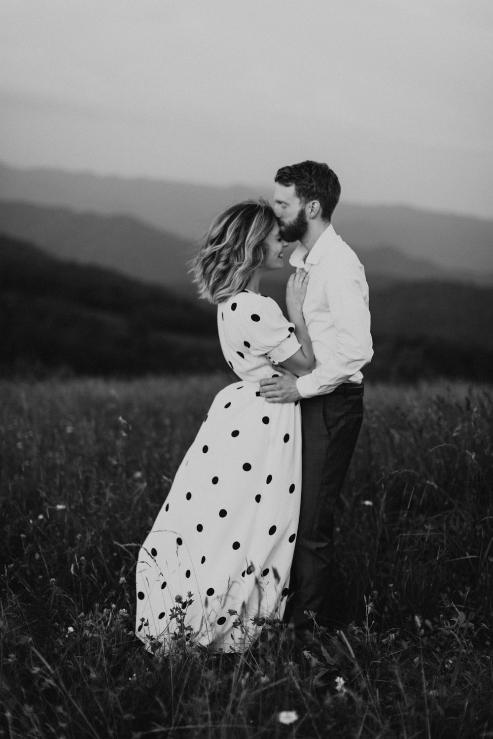 BlueRidgeMountains_NashvilleWeddingPhotographer_MollyPeach_MaxPatch-6725.jpg