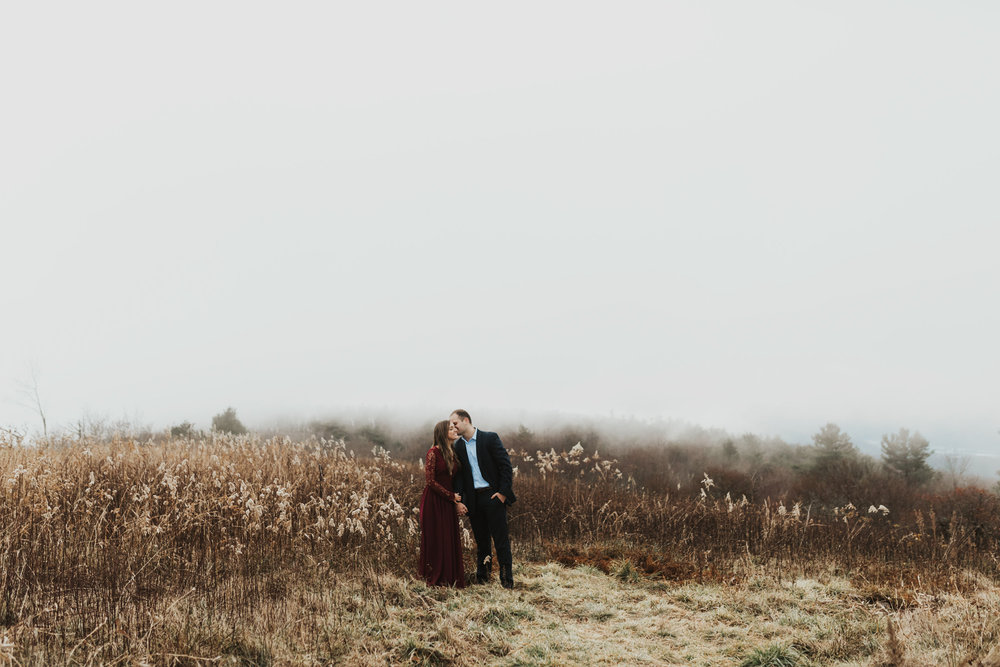 TennesseeMountain_EngagementPhotos_JohnsonCity_Couple_NashvilleWedding_EastTennessee_MollyPEachPhotography-3833.jpg