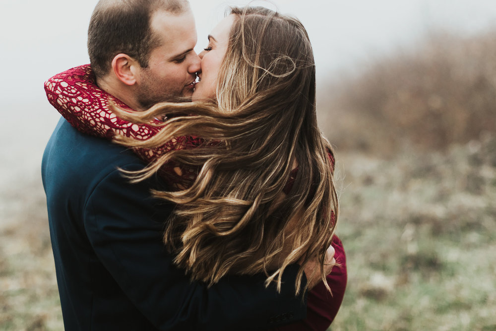TennesseeMountain_EngagementPhotos_JohnsonCity_Couple_NashvilleWedding_EastTennessee_MollyPEachPhotography-4023.jpg