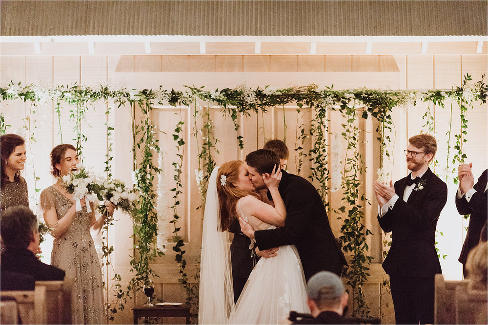 NashvilleWedding_NewYearsEveWedding_NYE_NashvilleWeddingPhotographer_LovelessWedding_Tennessee_MollyPeachPhotography-81.jpg