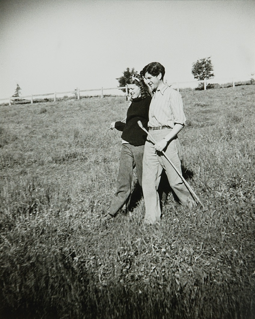 Albert Tucker,  John and Sunday Reed  1943, gelatin silver photograph, 40.4 x 30.6 cm, collection: Heide Museum of Modern Art, Melbourne, gift of Barbara Tucker 2001