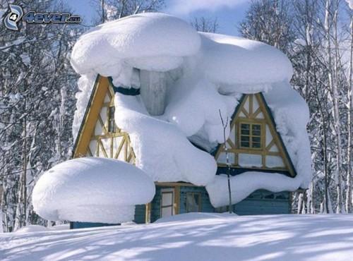 snowy-house-151743-500x370.jpg