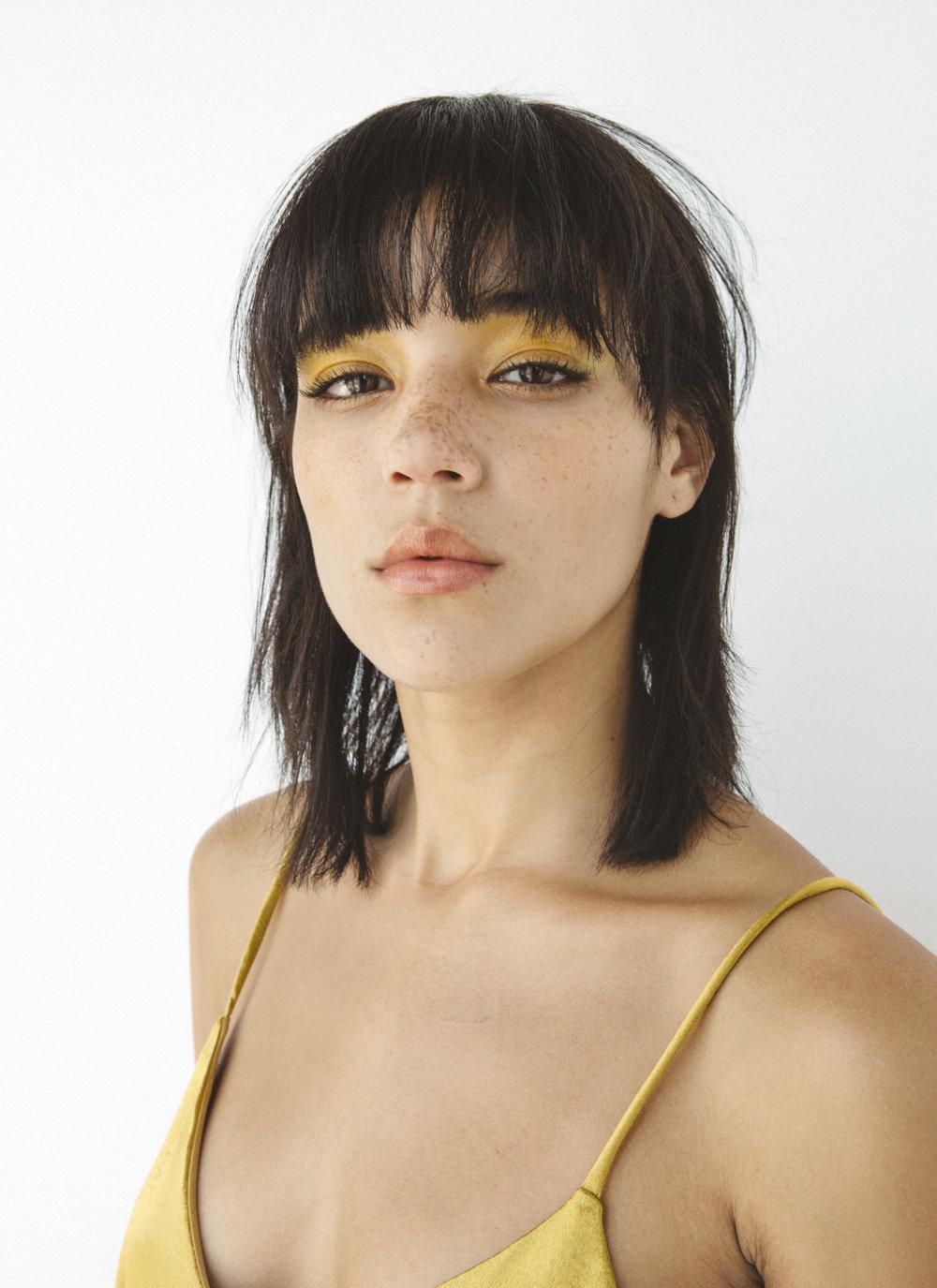 Sonix_FW17_Beauty_Yellow_1.jpg