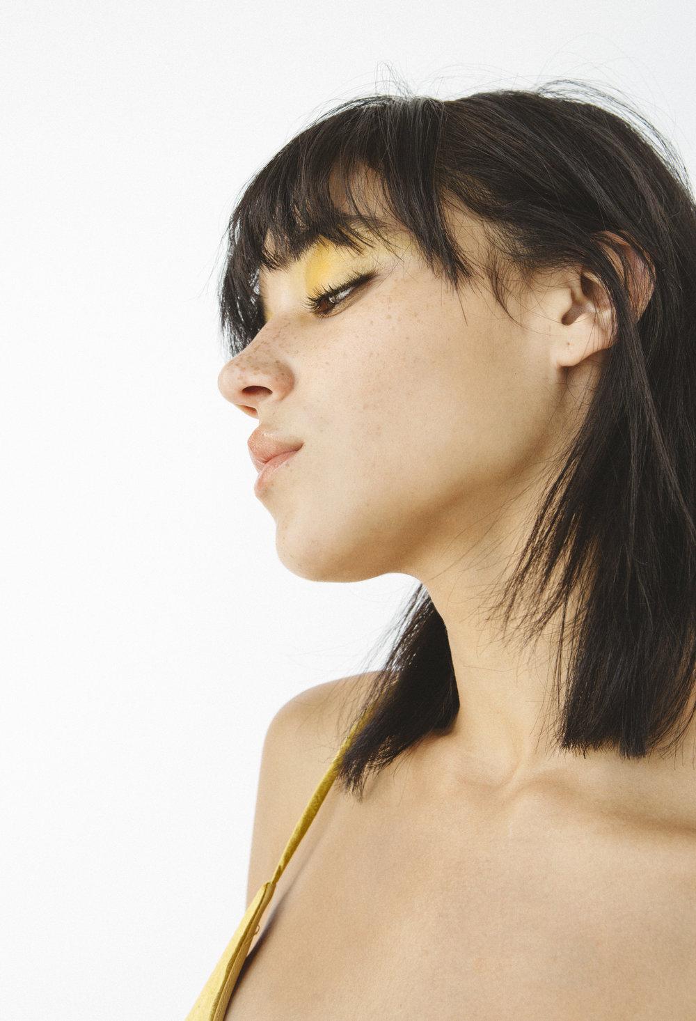Sonix_FW17_Beauty_Yellow_3.jpg