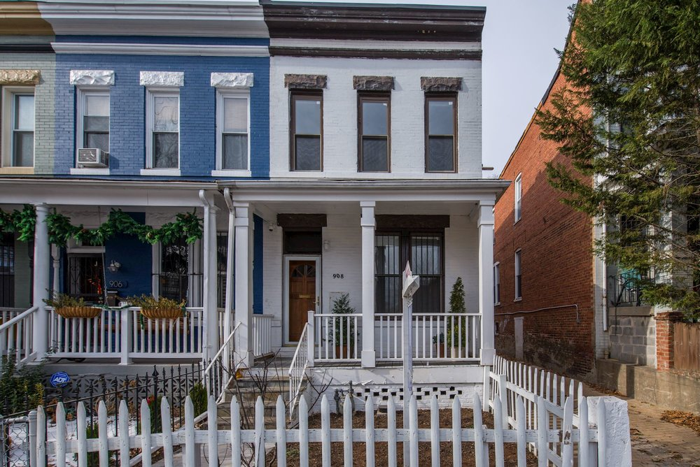 908 8th Street NE - SOLD    3 bed | 1.5 bath |   view listing