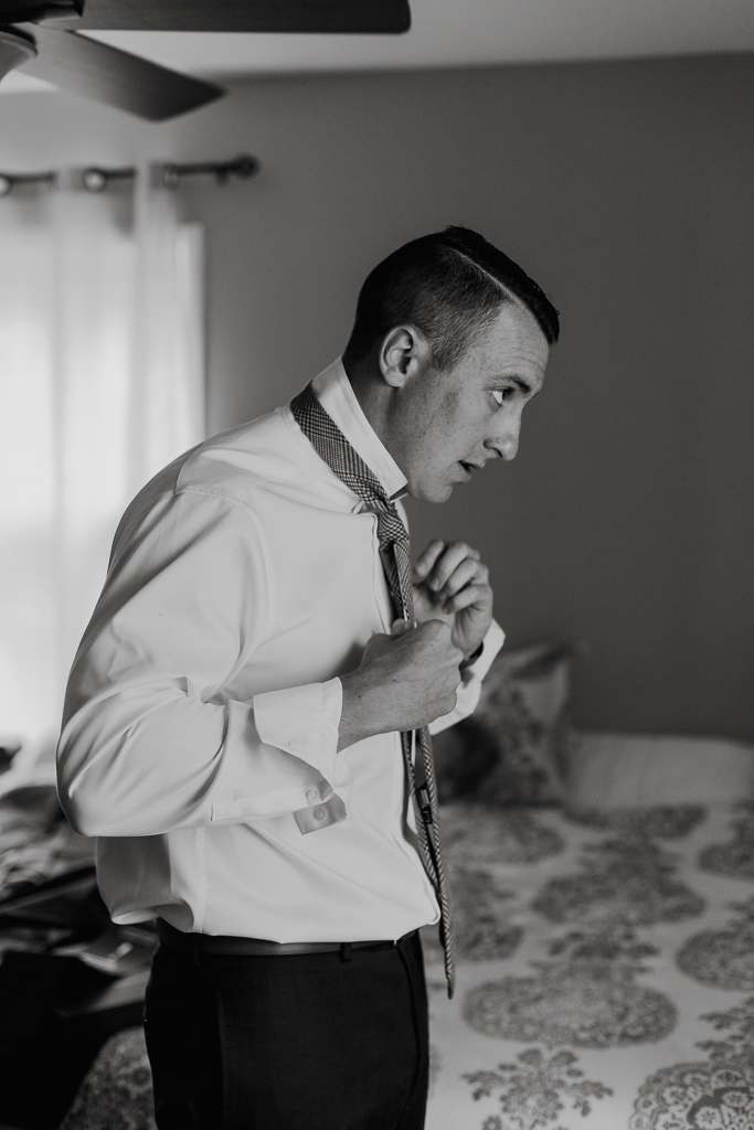 groom-getting-ready-black-and-white-columbus-ohio-wedding-photographer1.jpg