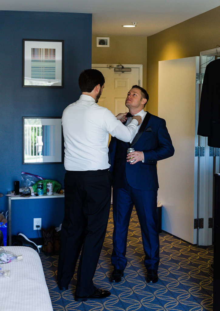 groom-getting-ready-at-nationwide-hotel-conference-center-columbus-ohio4.jpg
