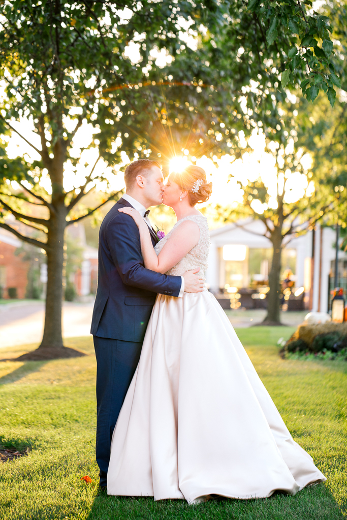romantic-sunset-with-bride-groom-georgian-architecture-nationwide-hotel-wedding-columbus-ohio2.jpg