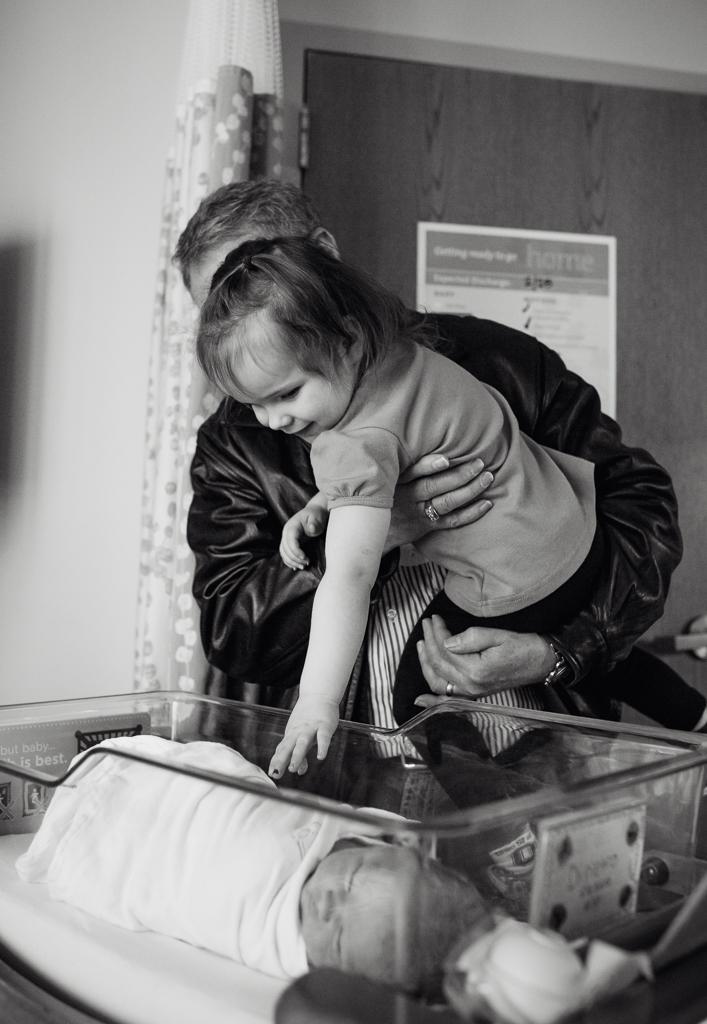 Fresh-48-newborn-hospital-session-columbus-ohio-newborn-photographer3.jpg