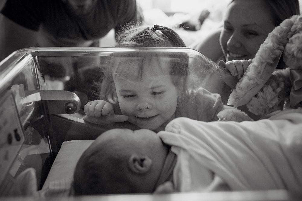 Fresh-48-newborn-hospital-session-columbus-ohio-newborn-photographer7.jpg