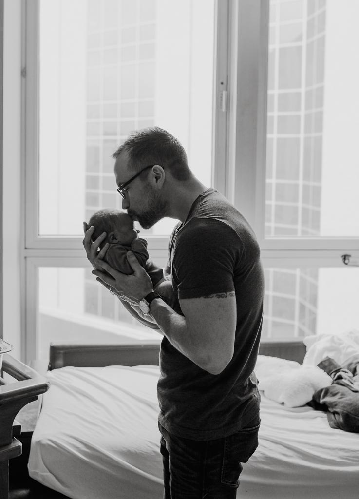 Fresh-48-newborn-hospital-session-columbus-ohio-newborn-photographer20.jpg