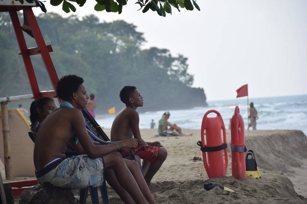 Costa Ricans watching the surfers