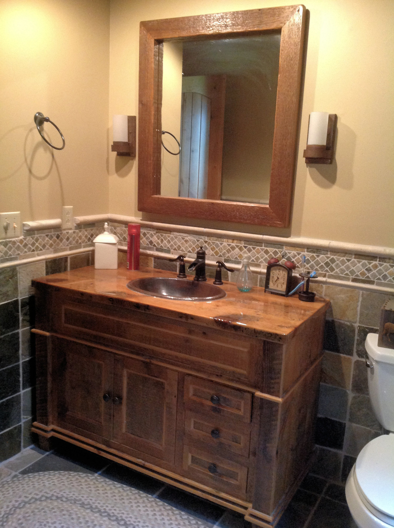 Barn Wood Bathroom — Barn Wood Furniture Rustic Barnwood and Log