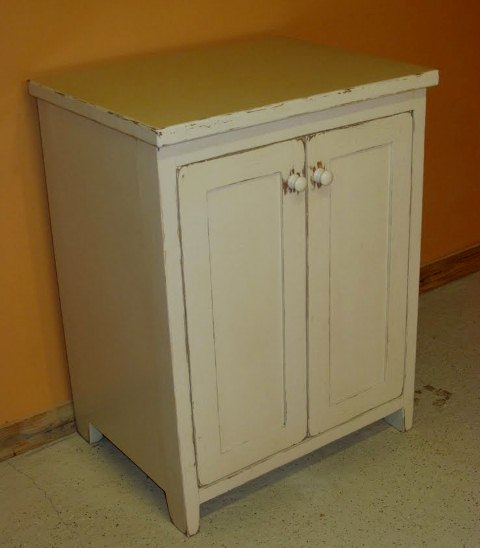 Antique-white-vanity2.jpg