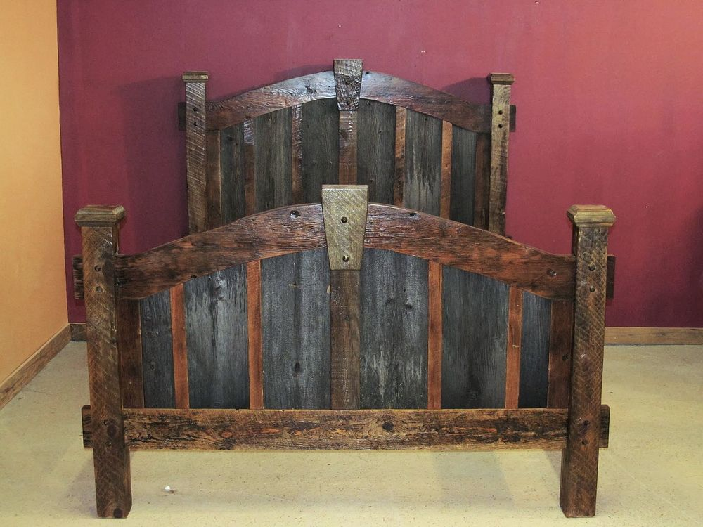 Arched Barnwood Keystone Bed