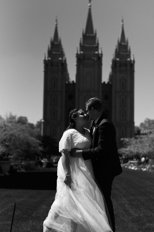 salt lake temple wedding_alyssa sorenson-57.jpg
