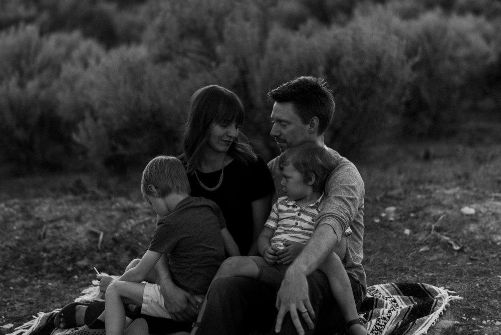 desert family photos utah alyssa sorenson-6.jpg