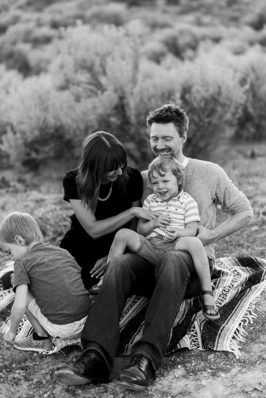 desert family photos utah alyssa sorenson-10.jpg