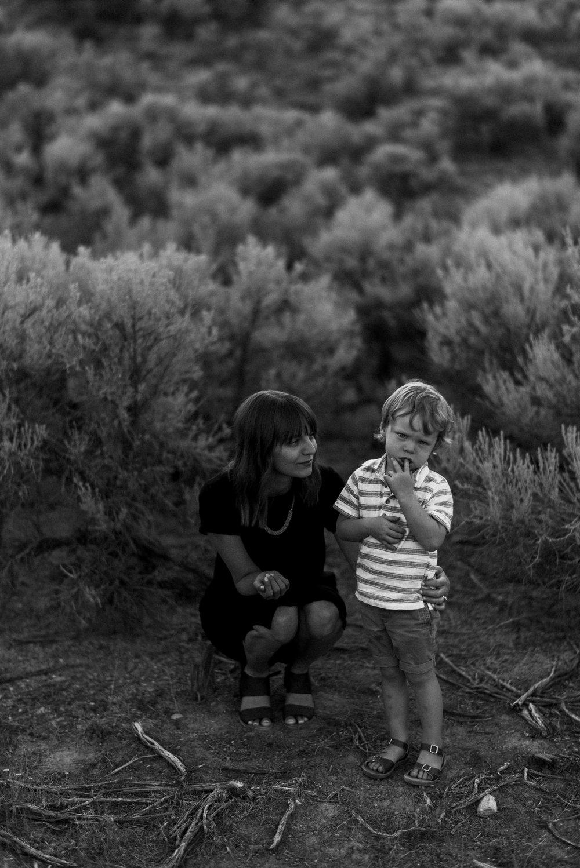 desert family photos utah alyssa sorenson-13.jpg