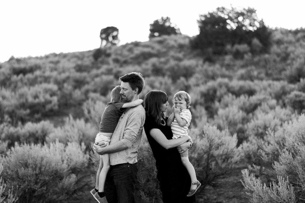 desert family photos utah alyssa sorenson-28.jpg