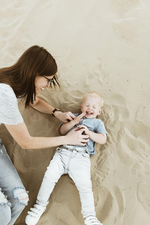 alyssa sorenson sand dunes family-134.jpg