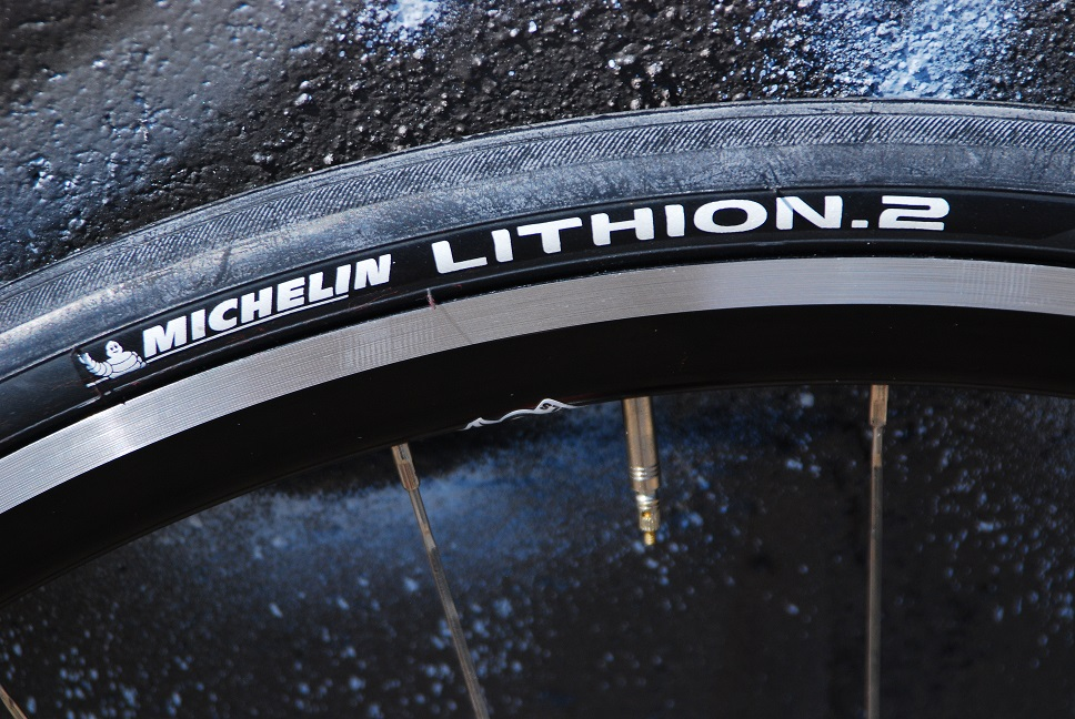 Michelin Lithion 2 Tires on Kinlin XR-31T