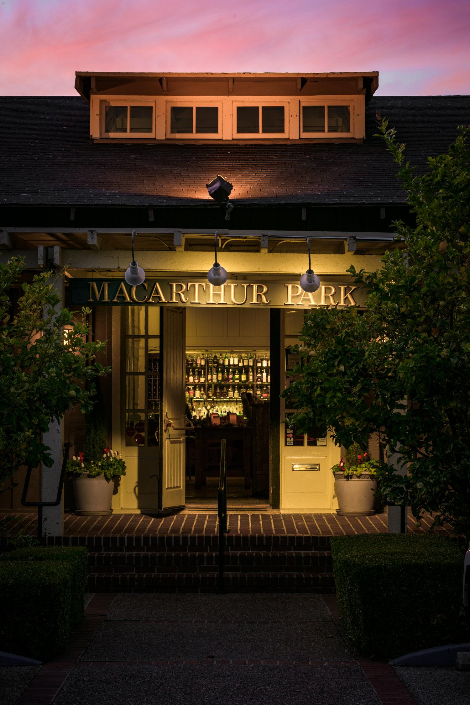 Restaurant exterior architecture - Palo Alto Restaurant Architecture Photography
