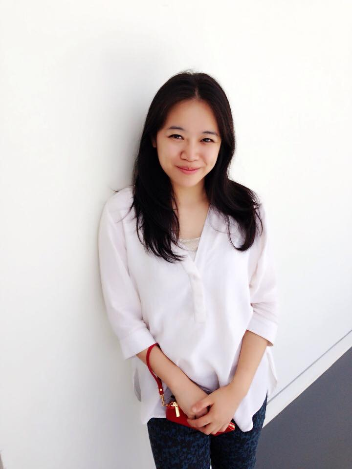 MS LENA SONG    B.A.Teaching Chinese as a Second Language,  Guangxi University, China   M.A. Chinese Culture,  Hong Kong Polytechnic University   6 years experience teaching Chinese Language and Chinese Culture to students and professionals from around the world.  Fluent in English, Chinese and Cantonese
