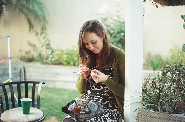 Almost 4 years ago! It looks like I was working on one of my Acorn Teeth Mitts - my first colorwork project. Thank you to my friend @karahleelang who shared this old photo with me that she recently developed. I was starting to envision designing knits at this point, had just started this account, and was completely blind to the year of intense growth about to hit me. I made it through that period (I'm here!) and am grateful for where I am today because of it 🖤
