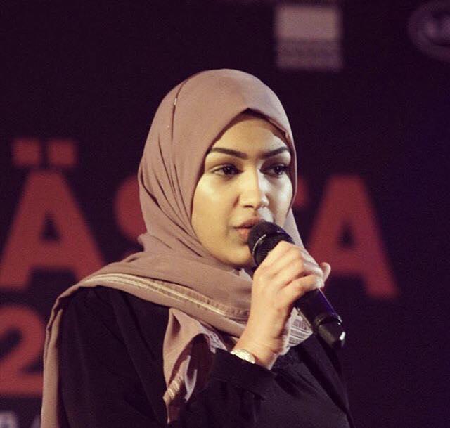 Malaak Habib, Poet