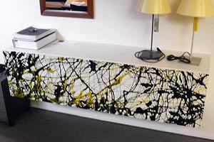 Sideboard mit Strukturmalerei  Verkaufspreis CHF 3'930.00  Spezialpreis CHF 1'950.00