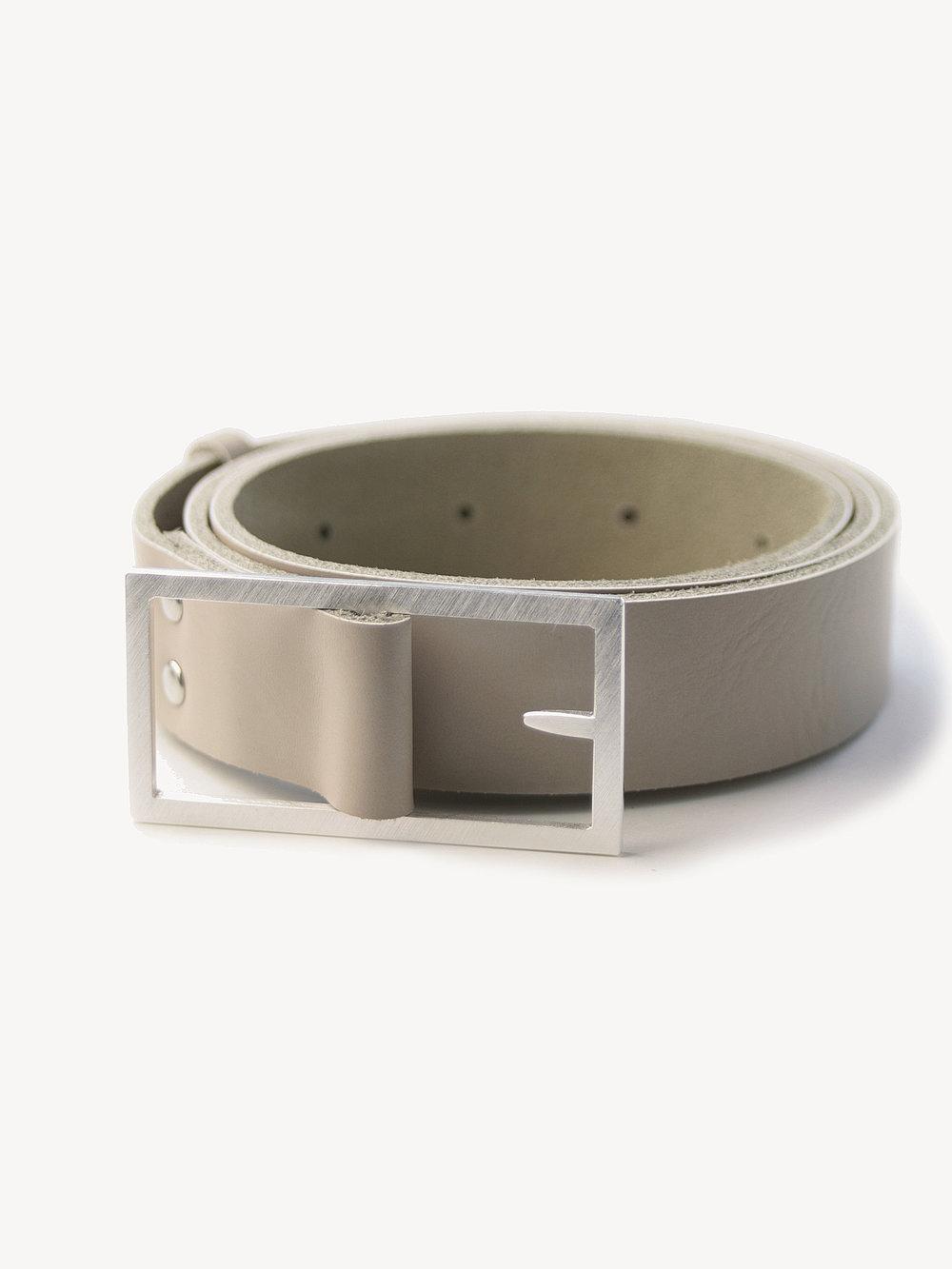 Leder-Gürtel, groß in puder  Leather belt, big in nude