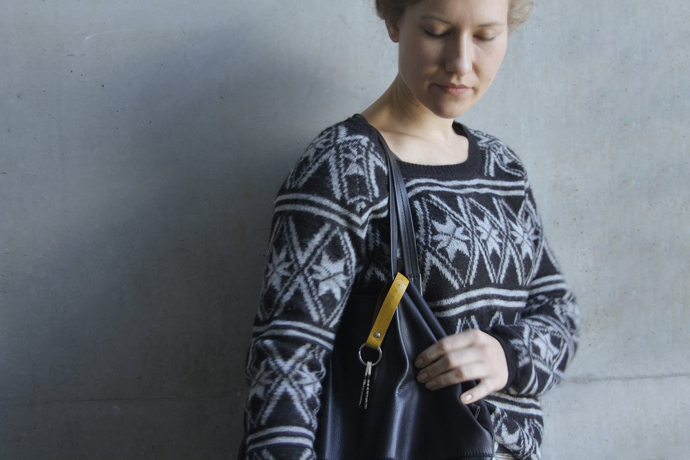 Christina Pauls, Leder Schlüsselband zum Anstecken