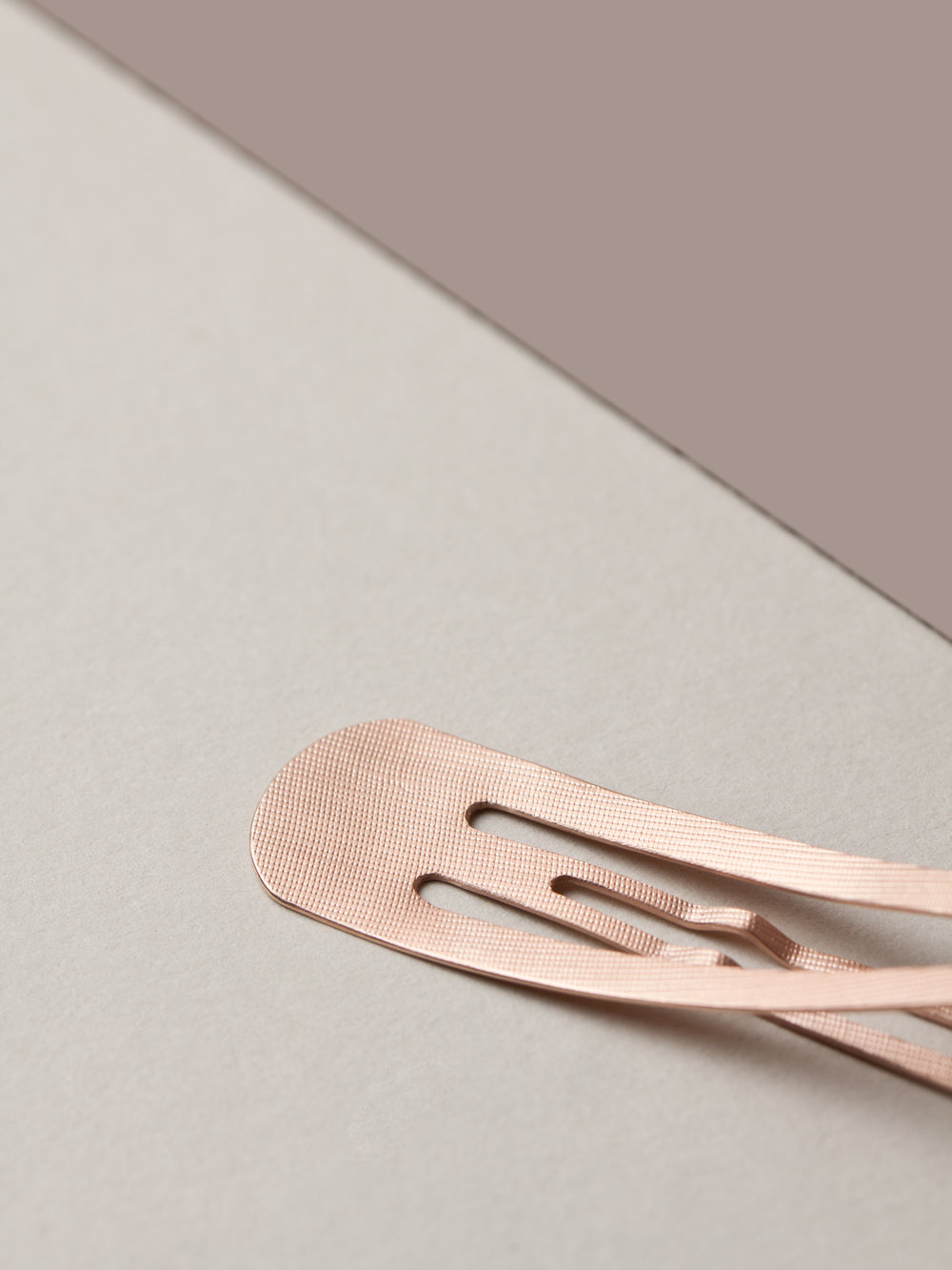 Christina Pauls, Haarschmuck minimalistisch in Rosegold