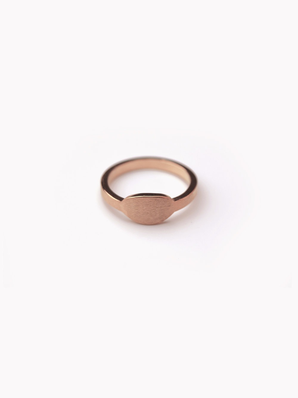 Siegelring, queroval klein in rosegoldplatiertem 925 Silber/ Signet ring, horizontal oval small in silver, rosegoldplated
