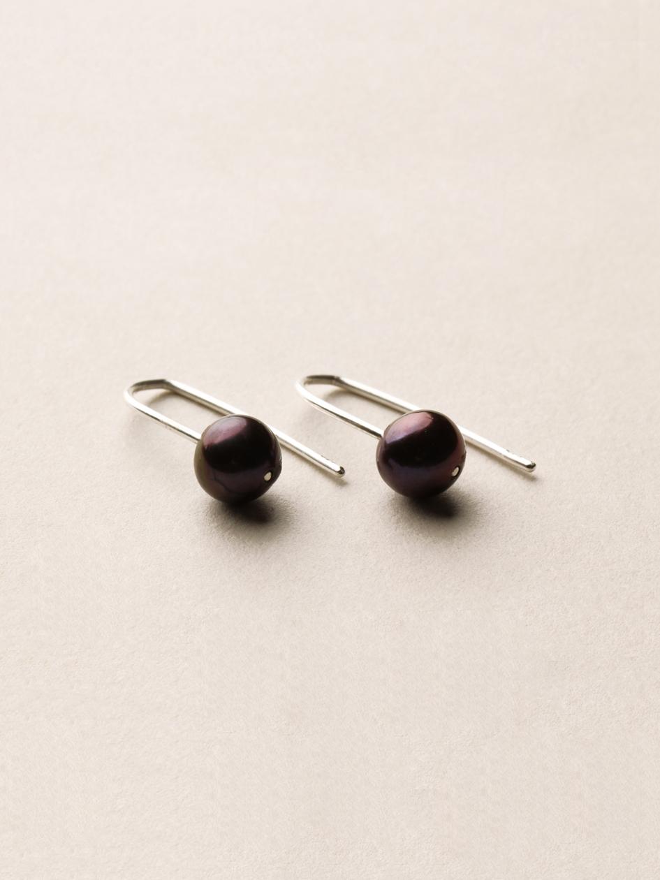 Perlen Ohrhänger, kurz in 925 Silber und echten Süßwasserzuchtperlen/ Pearl earrings, short in sterling silver and sweetwater pearls